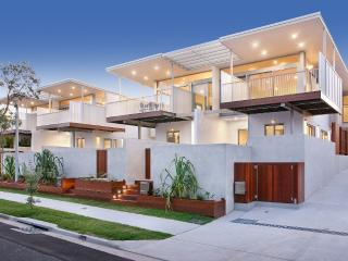 REFINED BEACHSIDE LIVING - HOUSE 2, Marcus Beach
