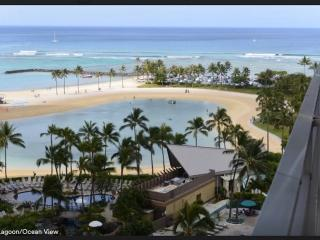 Amazing Seaside Condo at Ilikai Resort with Lagoon/Ocean/Skyline View, Honolulu
