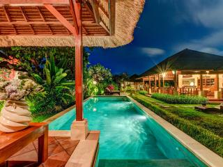 Spacious 4 BR Villa at Seminyak - Villa Shanti