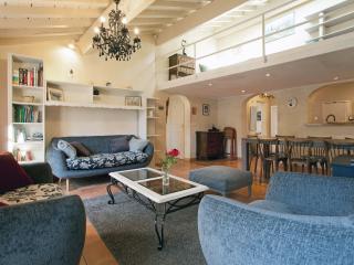 Grand appartement meuble centre historique