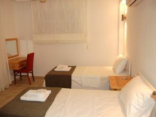 4 BR - Blossom Hill Apartment Sleeps 8 - EOT 9436, Fethiye