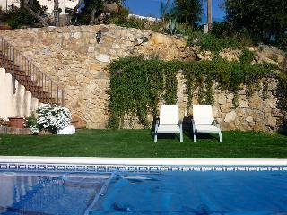 Book Instantly! Costa Brava Paradise - 4 BR Villa with Private Pool, Santa Cristina d'Aro