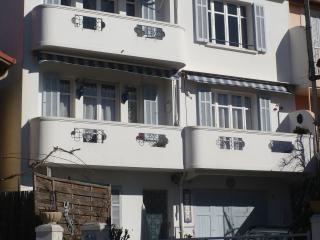 Appartement renove 3 pieces, 2 chambres cuisine