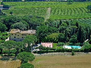 San Martino in Colle Holiday Home Sleeps 18 with Pool and Free WiFi - 5697134