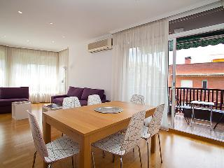 2 bedroom Apartment in Barcelona, Spain : ref 2098899
