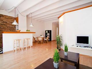 Book Instantly! Sants Sugranyes II, Barcellona