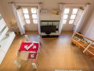 Lovely duplex, Wi/CPark and terrace. City center, Malaga