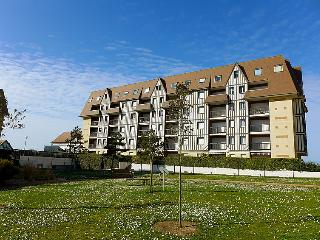 1 bedroom Apartment in Cabourg, Normandy, France : ref 5046591
