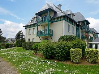 2 bedroom Villa in Cabourg, Normandy, France : ref 5046600