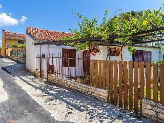 2 bedroom Villa in Pula, Istarska Zupanija, Croatia : ref 5026865