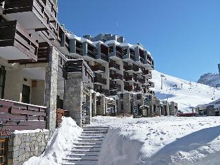 2 bedroom Apartment in Tignes, Savoie   Haute Savoie, France : ref 2056610