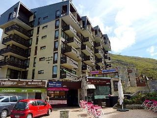 2 bedroom Apartment in Tignes, Savoie   Haute Savoie, France : ref 2285979