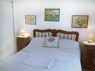 Saint-Aygulf Holiday Home Sleeps 6 with Pool and Free WiFi - 5699881