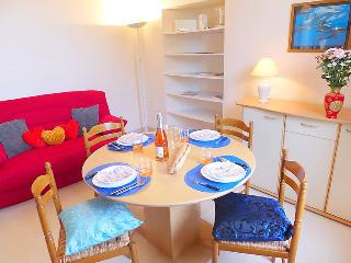 1 bedroom Apartment in Dinard, Brittany, France : ref 5055685