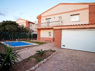 4 bedroom Villa in Cambrils, Costa Daurada, Spain : ref 2028275