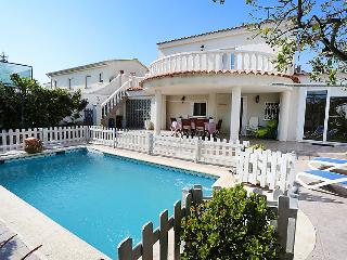 4 bedroom Villa in Cambrils, Costa Daurada, Spain : ref 2023356
