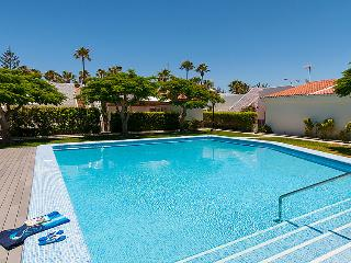 2 bedroom Villa in Maspalomas, Gran Canaria, Canary Islands : ref 2215602, Meloneras