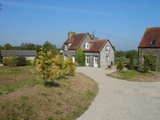 Three Bedroom Rural Detached Farmhouse, Sourdeval