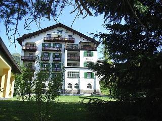 3 bedroom Apartment in Davos, Praettigau Landwassertal, Switzerland : ref 2298179