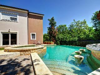 4 bedroom Villa in Pula, Istria, Croatia : ref 2214063, Vinkuran