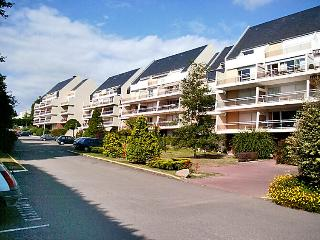 1 bedroom Apartment in Gourmalon, Pays de la Loire, France : ref 5046683