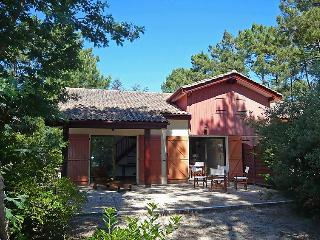 3 bedroom Villa in Lacanau, Gironde, France : ref 2024040
