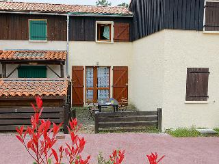 2 bedroom Villa in Lacanau, Nouvelle-Aquitaine, France : ref 5049976