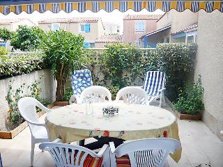 2 bedroom Villa in Gruissan, Occitania, France : ref 5050491