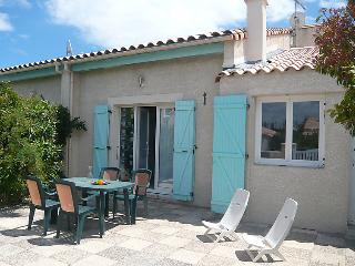 2 bedroom Villa in Gruissan, Occitania, France : ref 5050492