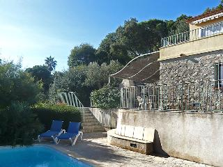 4 bedroom Villa in Sainte Maxime, Cote d'Azur, France : ref 2012734