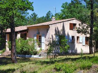 4 bedroom Villa in Sainte-Maxime, Provence-Alpes-Cote d'Azur, France : ref 50517