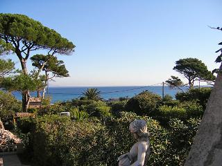 2 bedroom Villa in Sainte-Maxime, Provence-Alpes-Cote d'Azur, France : ref 50518