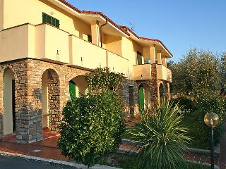 2 bedroom Apartment in Imperia, Liguria Riviera Ponente, Italy : ref 2013050