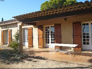 4 bedroom Villa in Sainte Maxime, Cote d'Azur, France : ref 2012738