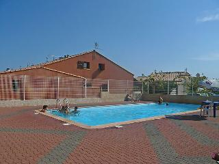 2 bedroom Villa in Gruissan, Occitania, France : ref 5050482