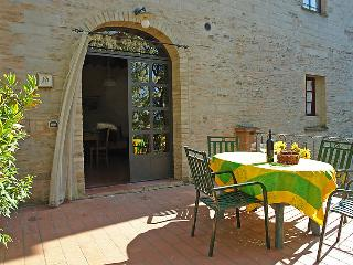 2 bedroom Apartment in Castelfiorentino, Tuscany, Italy : ref 5055327