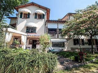 6 bedroom Villa in Pistoia, Florence Countryside, Italy : ref 2008458, San Momme
