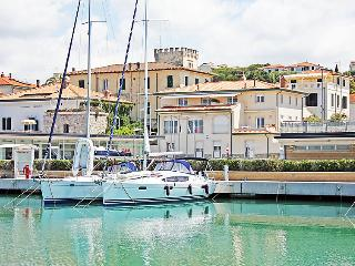San Vincenzo Apartment Sleeps 6 with Air Con and WiFi - 5055817