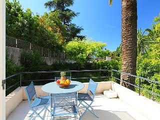 2 bedroom Villa in Cannes, Provence-Alpes-Côte d'Azur, France : ref 5057928