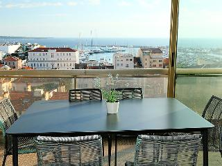 2 bedroom Apartment in Cannes, Provence-Alpes-Côte d'Azur, France : ref 5060280