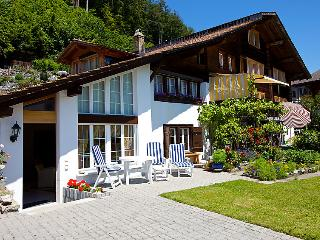 Brienz Apartment Sleeps 2 with WiFi - 5031494