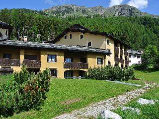1 bedroom Apartment in Silvaplana Surlej, Engadine, Switzerland : ref 2298457