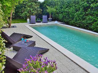 Zadar Holiday Home Sleeps 6 with Pool Air Con and Free WiFi - 5059783