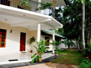 Anuradha - Apartment on Downstairs with 3 Bedrooms