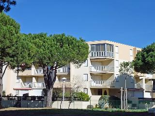 1 bedroom Apartment in Le Grau-du-Roi, Occitania, France : ref 5050267