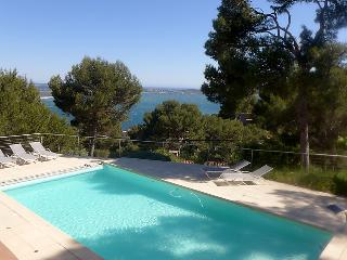 2 bedroom Apartment in Hyeres, Cote D Azur, France : ref 2008281, Carqueiranne