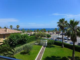 2 bedroom Apartment in Frejus, Provence-Alpes-Cote d'Azur, France : ref 5059012