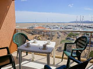 1 bedroom Apartment in Frejus, Provence-Alpes-Cote d'Azur, France : ref 5059089