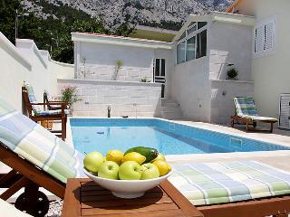 4 bedroom Villa in Baska Voda, Central Dalmatia, Croatia : ref 2218758
