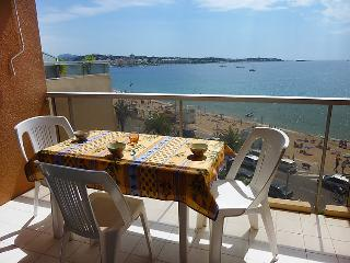 1 bedroom Apartment in Frejus, Provence-Alpes-Cote d'Azur, France : ref 5059235